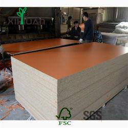 家具のための卸し売り削片板またはChipboardまたは木層木製のメラミンによって薄板にされるボードの価格
