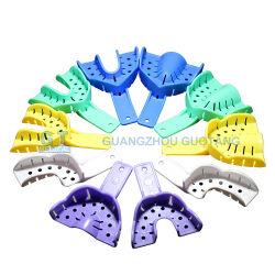 Los dientes en ortodoncia Premium Autoclavable Instrumentos dentales de plástico bandejas de impresión