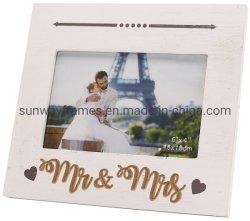 """6 il taglio della foto Frame+Laser del MDF """" X4 """" esprime l'icona di Mr&Mrs+Printing"""