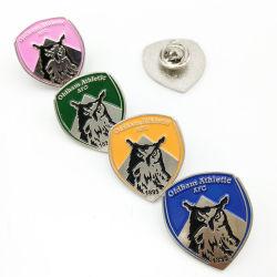 Il metallo variopinto della decorazione dei vestiti del fumetto personalizzato commercio all'ingrosso perfezionamento l'emblema promozionale corporativo dei prodotti del ricordo di sport del regalo dello smalto del distintivo molle di Pin
