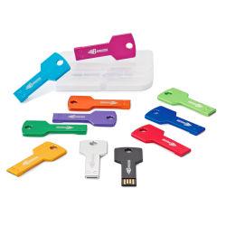 La clave de colores metálicos forma Pen Drive con acceso gratuito a Servicio de OEM