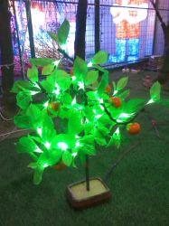 Illuminazione di plastica chiara dell'albero di festa della decorazione di paesaggio del fiore della frutta dell'albero
