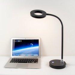 Alterar a cor do LED do interruptor de toque candeeiro de secretária para casas de iluminação doméstica