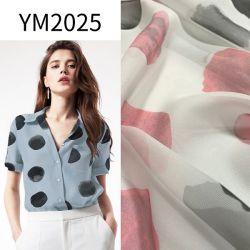 Ym2025 imitar la seda como puntos de impresión Tejido de poliéster reciclado para vestir ropa reciclada blusa