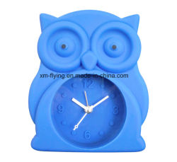 Commerce de gros Kid's Cartoon Owl forme Décoration maison Muet des horloges d'alarme de Table en silicone