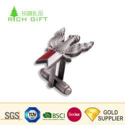 Design OEM pressofusione in metallo pressofuso militare placcato argento antico Bracciali con logo Eagle in vendita