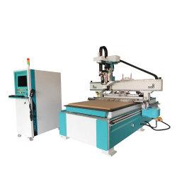 木製の働きのための機械CNC木を切り分ける1300X2500mmの家具の金属
