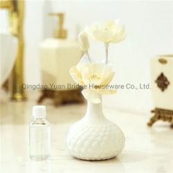 En el interior de cerámica de lujo difusor de fragancia con escultura de cerámica mate en la parte superior de la flor de Pet de verificación de la fragancia de interior