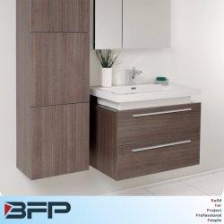 Cabina doccia semplice con cassetto e dispensa
