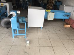 枕詰物のための150-180kgs/Hourポリエステル綿のファイバーの入り口の梳く処理機械