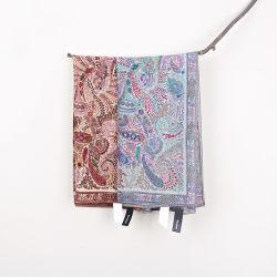 De grote Vierkante Zuivere Warme Sjaal en de Sjaal van de Winter van de Vrouwen van Paisley van het Af:drukken van het Scherm van de Wol