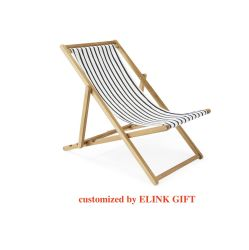 マツ木ブナの森の浜の喫茶店の喫茶店のレストランのための屋外の広場の正方形の木製の椅子