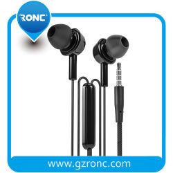 Commerce de gros bon marché dans l'oreille de 3,5 mm stéréo avec micro des écouteurs mains libres