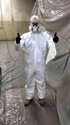 China Proveedor Stock EPI bata desechable traje Nonwoven sobretodo Ropa de trabajo en general Ropa Non-Woven aislamiento ropa para hombres y mujeres