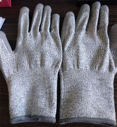 L'unità di elaborazione lavorata a maglia senza giunte ha ricoperto i guanti resistenti di sicurezza del taglio per il lavoro di industria