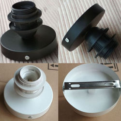 Iron Sucking DiscのE27 Lamp Base Ceiling Light Holder