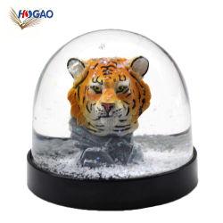 Les éléments de l'eau en plastique bon marché OEM Globe avec Tiger Figurine à l'intérieur