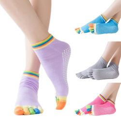 Il commercio all'ingrosso ha personalizzato cinque calzini di yoga della pinsa dei calzini del trampolino di slittamento di pattino dei calzini di sport della punta anti per le donne