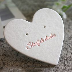 Heart-Shaped 귀여운 귀걸이 보석 카드 보석 전시 서류상 카드 도매 주문 로고 Single-Sided 인쇄