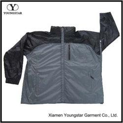 I Mens incappucciati rendono l'abbigliamento resistente all'intemperie impermeabile dei cappotti del rivestimento della pioggia