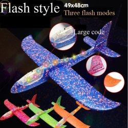 Werpen van het Speelgoed van de Jonge geitjes van de Sporten van LEIDENE het Lichtgevende Aeromodel van het Vliegtuig Openlucht