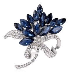 ホールセール合金のダイヤモンドの方法衣類ラインストーンの花のブローチを特色にする