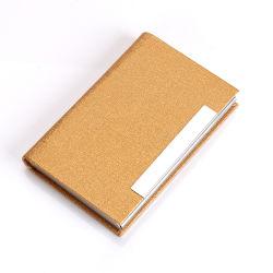 Senhora ou estilo de homens e o uso de cartão de crédito, o titular do cartão de RFID