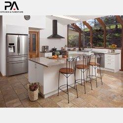 Белая мебель в деревенском стиле кухонные шкафы