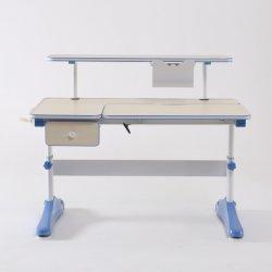 روضة أطفال أطفال مثلّثيّة بناية قالب وضع طاولة حاسوب