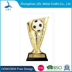 Fashion Award en alliage de zinc verre Polyresin Soccer Football Prix de la Coupe du Trophée pour l'événement comme cadeau souvenir 015)