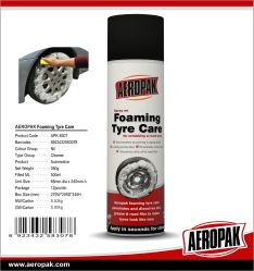 Los productos de cuidado de coche limpiador espumoso de neumáticos