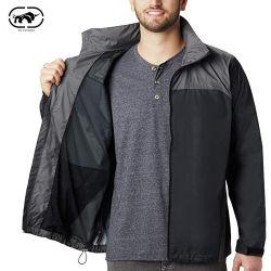 ウィンドブレーカのマルチカラーポケットが付いている軽量の明白な風のジャケット