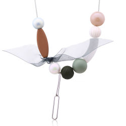 Hölzerne Raupe-hängende Acryldame-Schmucksache-Halsketten-Silk Schal-Zusatzgeräten-Minimalist