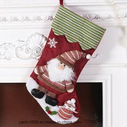 クリスマスの装飾の赤いニットのクリスマスのストッキング