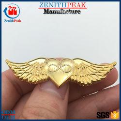 Los embragues de mariposa de oro de metal Angel Corazón única insignia de solapa
