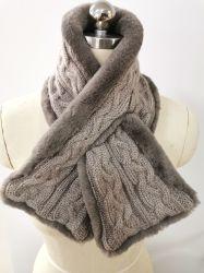 Winter-Form-Fälschungs-Pelz-strickender Schal der Frauen mit speziellem Kabel