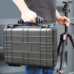2019年のニンポーの工場軽量の堅いプラスチックWaterproofshockproof装置は泡が付いている工具箱を運ぶ
