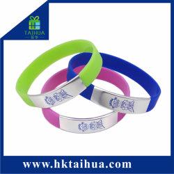 Wristband/braccialetto su ordinazione del silicone di marchio del regalo promozionale con la clip del metallo