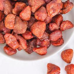 الفراولة المجففة فاكهة حقيقية وجبة خفيفة صحية مخبوزة وطبيعية كاملة الفراولة الجافة