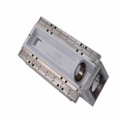 CNCのフライス盤、旋盤、回るCNC棒処理の工作機械、のハードウェアの予備品叩くあくこと