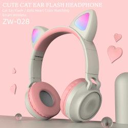 Cute cat Flash de l'oreille TWS 5.0 écouteurs stéréo Bluetooth Casque Casque sans fil à LED avec microphone pour les filles adorent les jeux des cadeaux de Noël Mobilephone OEM