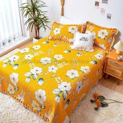 봄과 여름 동안 연약한 우아한 호텔 침대 퍼짐 여왕