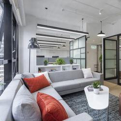 革コーナーソファ家具革ソファセットドラゴンマートドバイ家具会社の名前