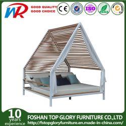 Sofá cama de aluminio al aire libre con cojín Garden Hotel Double-Bed Polywood tumbona con cortinas modernas muebles de patio de un sofá cama