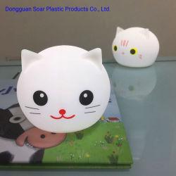 注入の子供の寝室のための柔らかいシリコーンLampshapeが付いているプラスチック猫の卓上スタンドRGB多彩なLED夜ライト