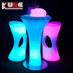 LEDによってつけられる低い小テーブルつけられた棒家具の大気の家具