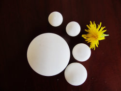 92%/95% di ciottolo sferico macinante di ceramica delle sfere dell'allumina
