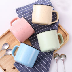 カスタマイズされる純粋なカラーエナメルのコップ創造的なコーヒーカップを広告する