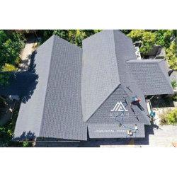 A China de alta qualidade, telhas de fibra de vidro Shingles Chips de Pedra Asfalto revestidas de azulejos de calhaus rolados