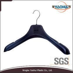 Suporte de camisa preta de plástico de moda com o gancho de metal (46cm)